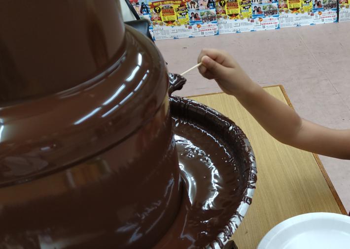 子どもは大喜び。チョコレートファウンテン。