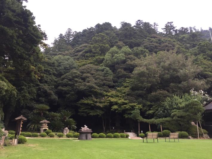 『北島国造館』少名毘古那神(すくなひこなのかみ)神像と庭園