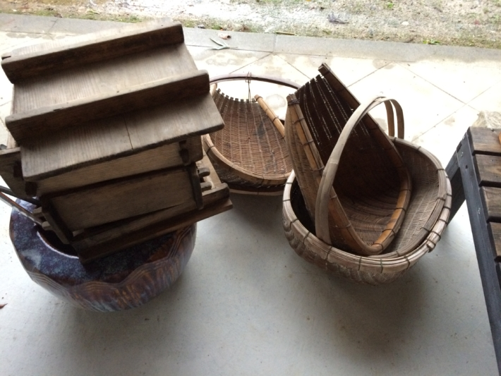 近所の方から貰った竹籠とセイロ