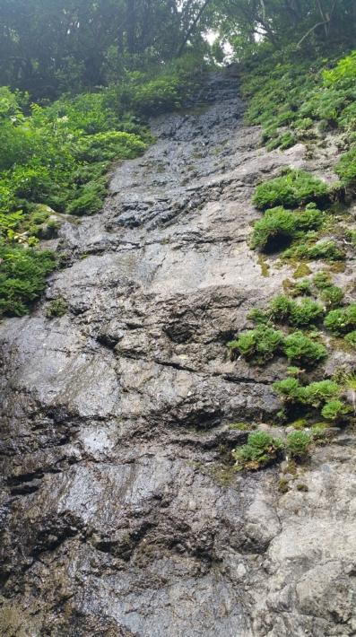 立久恵峡の岩肌