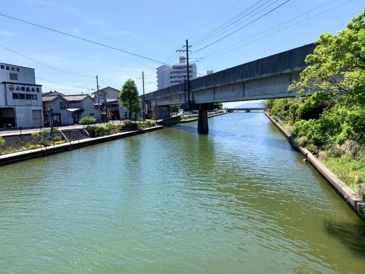 【天神川から穴道湖方面の眺め】