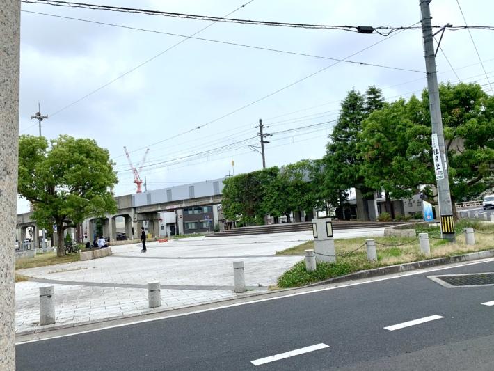 【白潟天満宮前の天神ロータリー広場】