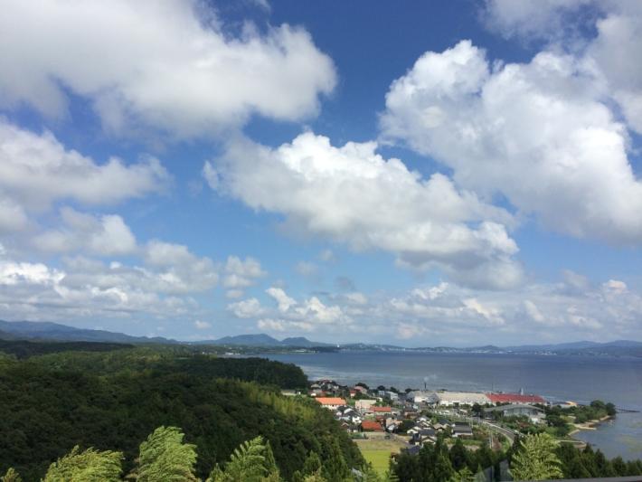 宍道湖と山々