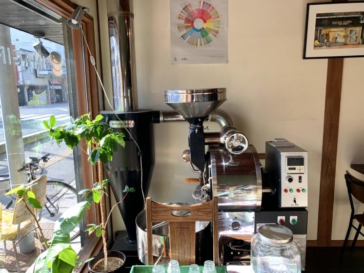 『イマジンコーヒー』店頭の焙煎機