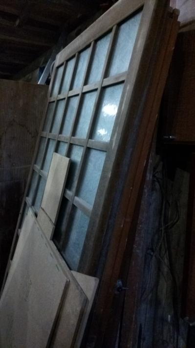 倉庫に眠る建具