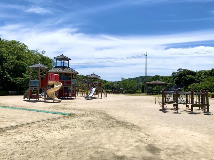 『深田公園』児童公園